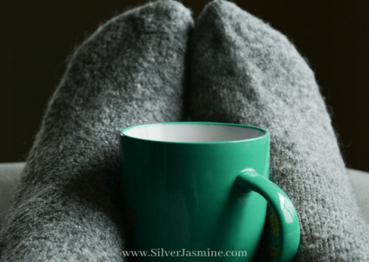Should I go to bed early, or stay awake and get some time alone? I need me time. Time to myself after a long day at work or with the kids. Time to decompress. Time alone. #metime #timealone #selfcare #wellbeing #wellness #decompress