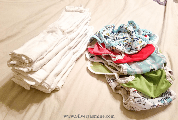 "MYTH: ""The start up cost of cloth diapering is expensive!"" It doesn't have to be! Here's how to cloth diaper for CHEAP! (less than $100 bucks!) #clothdiapers #clothdiapering #clothdiaper101 #howtoclothdiapercheap #howtosaveonhouseholdexpenses"